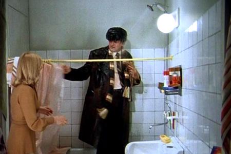 """Кадр 10 из фильма """"Ирония судьбы, или с легким паром!"""" (1975)"""