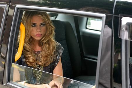 attraktive blondine sucht jüngere sie Altanca