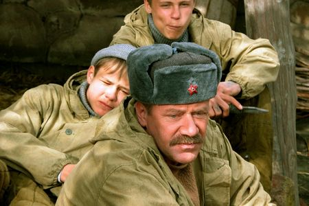http://www.film.ru/img/afisha/SVOLOCHI/450/04.jpg