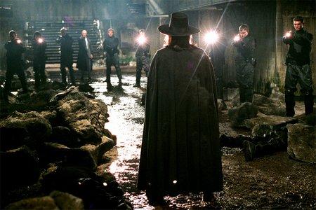 Игра V бисер (V for Vendetta, 2005) на Фильм.
