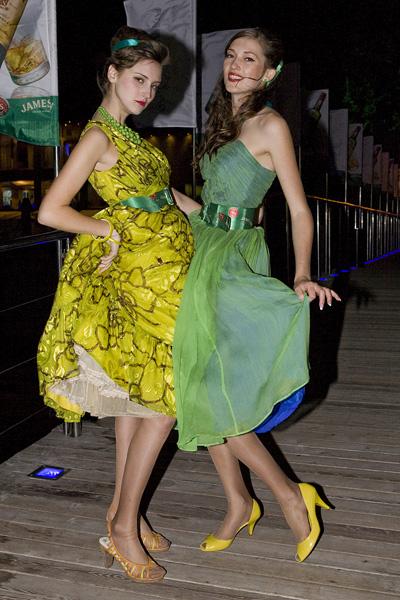 Прически в стиле стиляг снова в начале 21-го стали актуальными.  И как полагают модные эксперты и опытные стилисты...