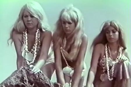 porno-filmi-v-pervobitnom-mire-porno-pod-halatom-mamochek