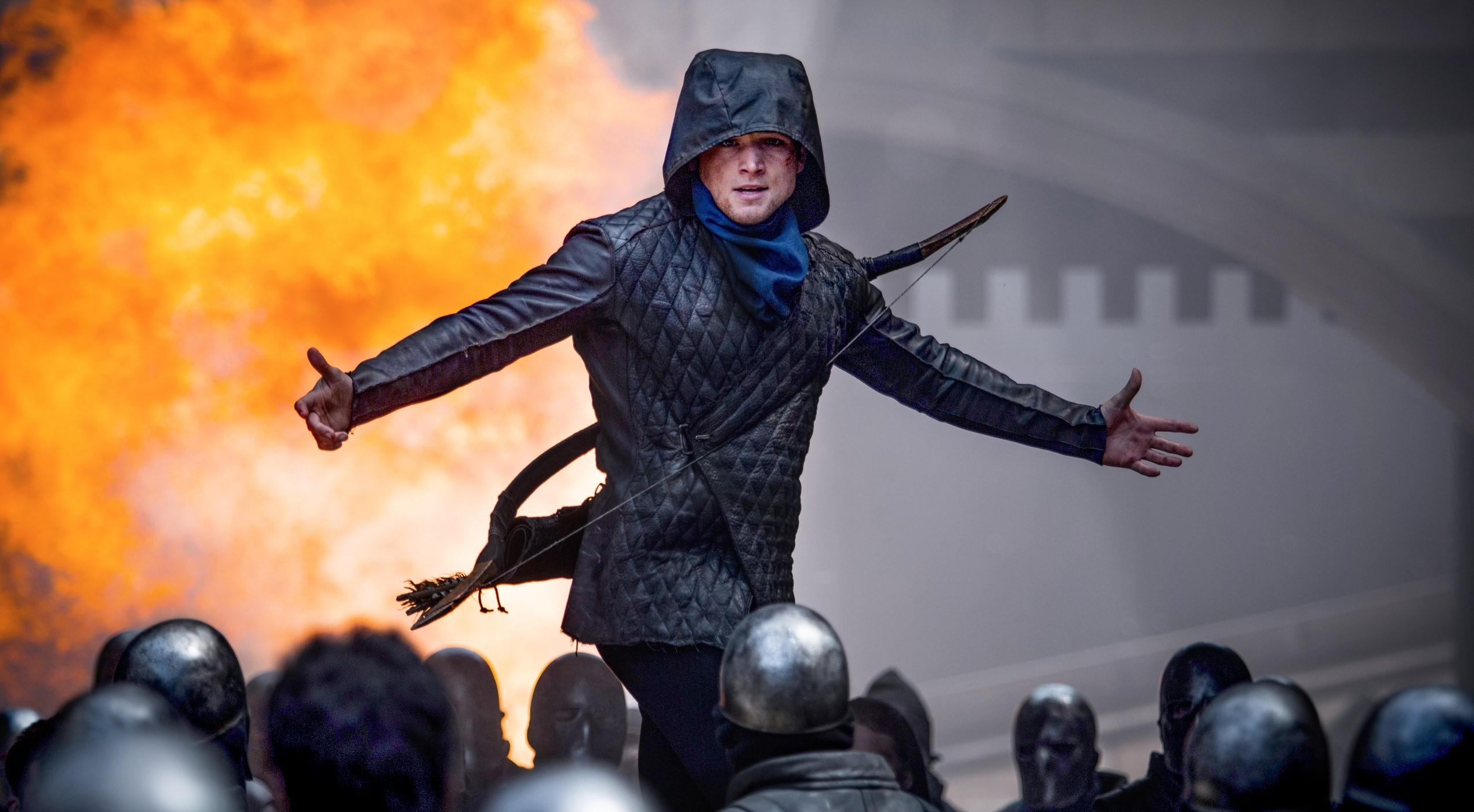 Тэрон Эджертон воюет с английской короной в трейлере «Робин Гуда»