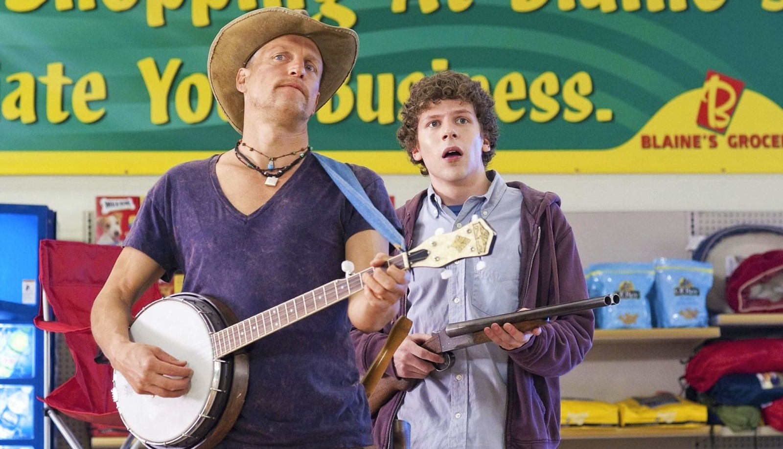 Джесси Айзенберг и Вуди Харрельсон на съёмках «Zомбилэнда 2»