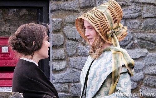 Кейт Уинслет и Сиршу Ронан поймали на съёмках лесбийской драмы «Аммонит»
