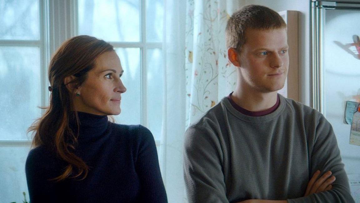 Джулия Робертс и Лукас Хеджес в отрывке из фильма «Вернуть Бена»