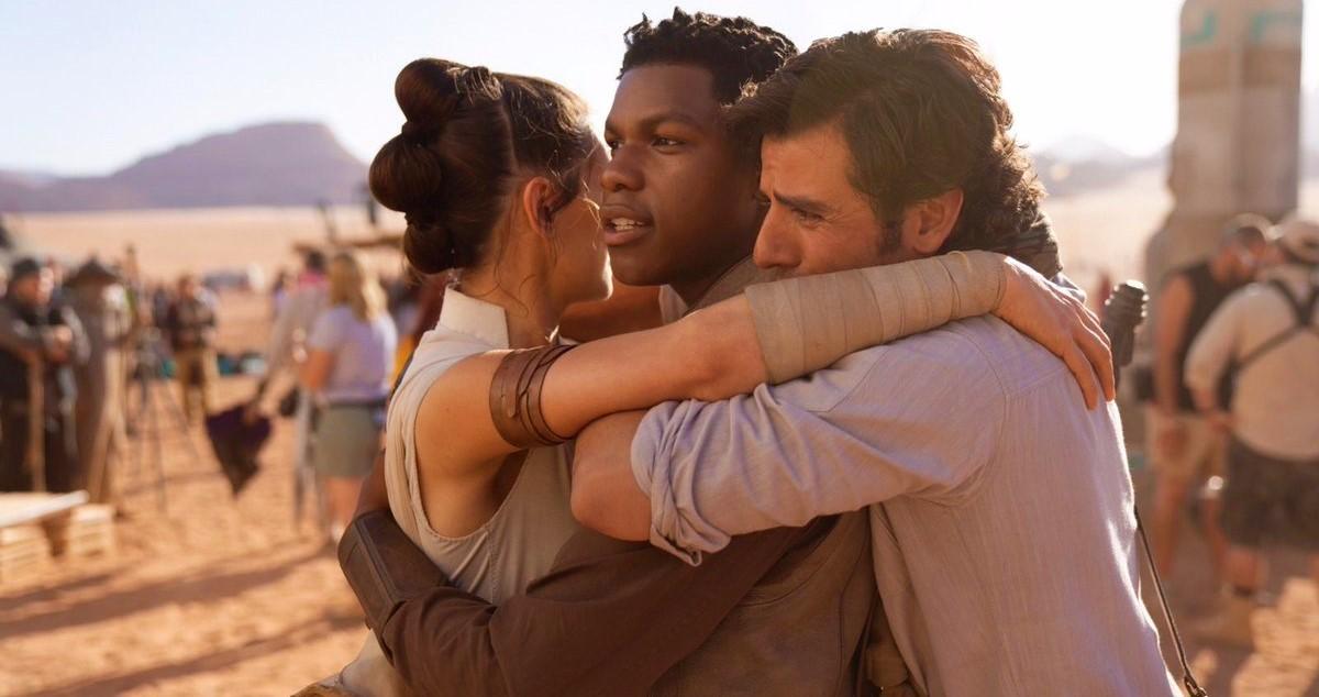 Джей Джей Абрамс завершил съёмки 9 эпизода «Звёздных войн»