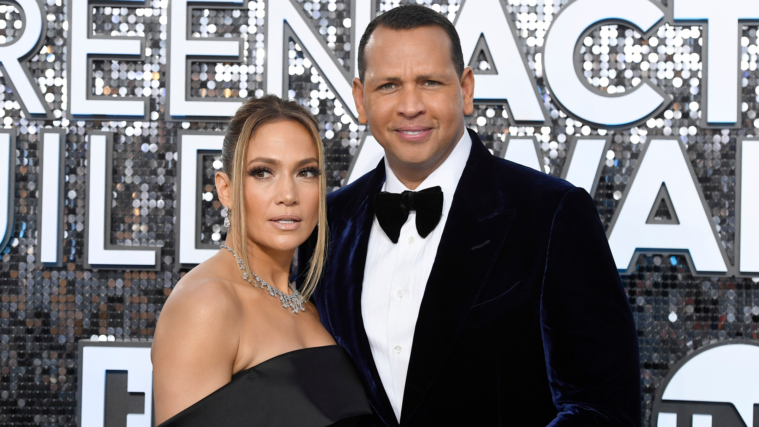 Дженнифер Лопес и Алекс Родригес опровергли слухи о расторжении помолвки