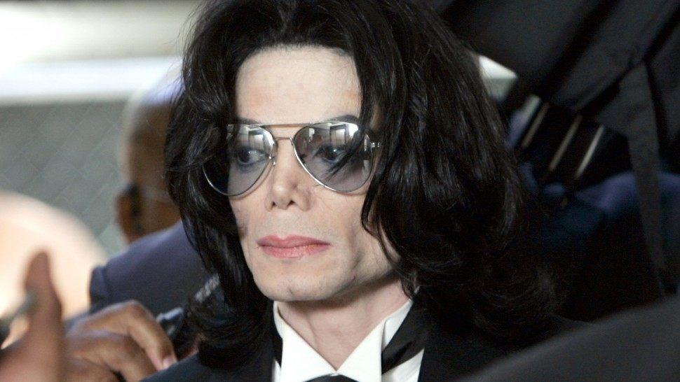 Против скандального фильма о Майкле Джексоне подали иск