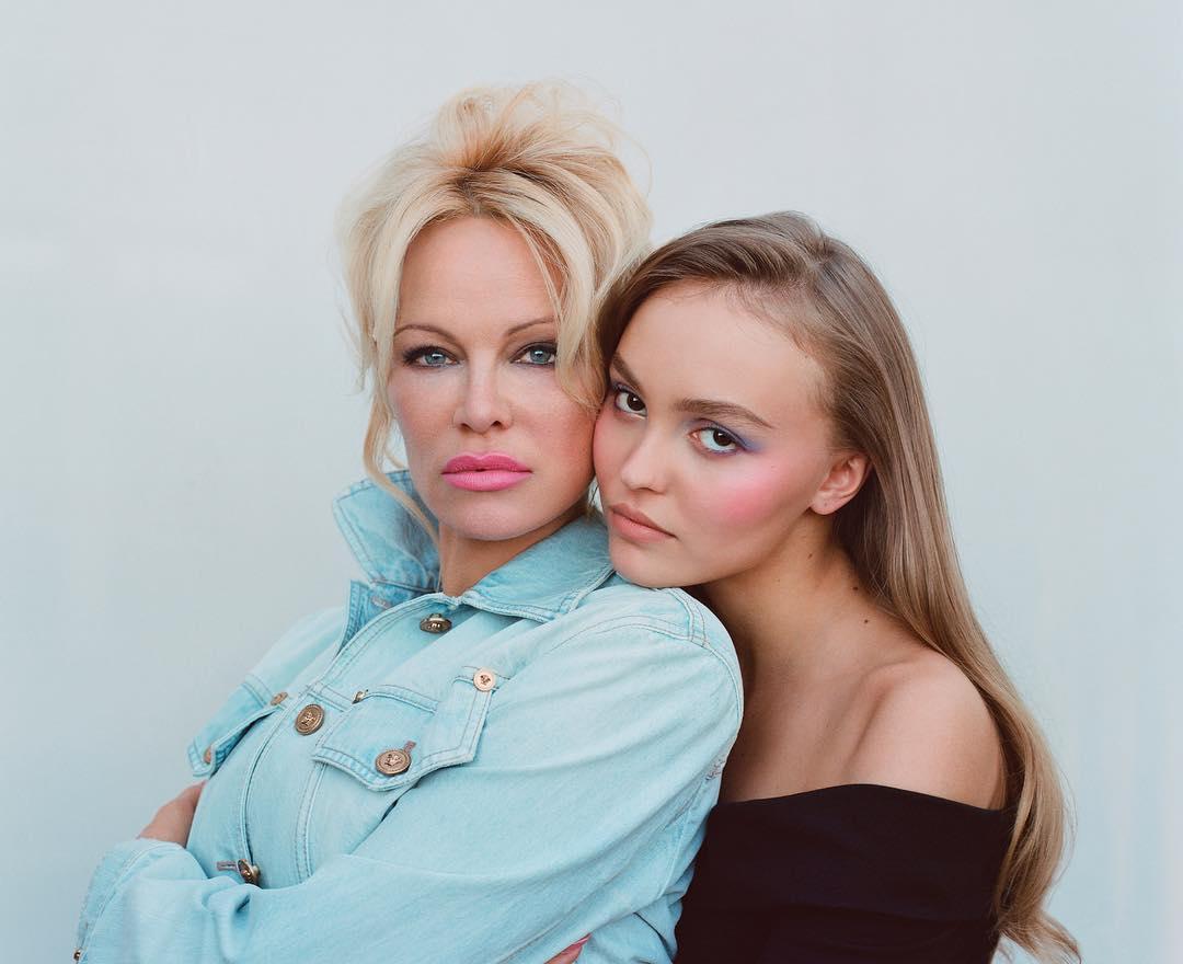 Дочь Джонни Деппа снялась в откровенной фотосессии с Памелой Андерсон