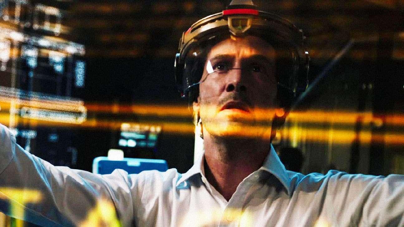 Киану Ривз клонирует людей в трейлере sci-fi триллера «Репродукция»