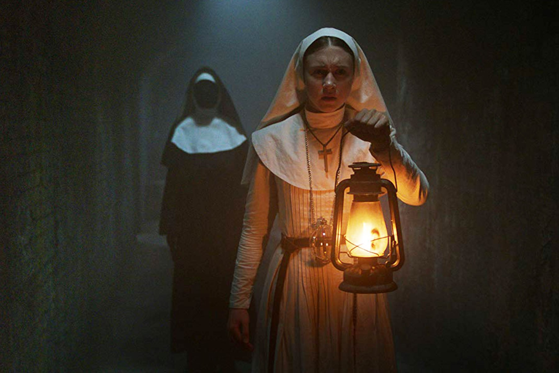 Больше женщин: Сценарий к «Проклятию монахини 2» напишет автор «Хэллфеста»