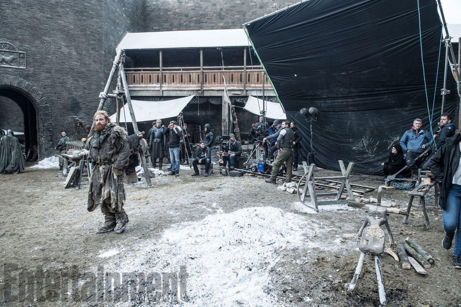 Вглобальной паутине появились новые фотографии сосъемок седьмого сезона «Игры престолов»