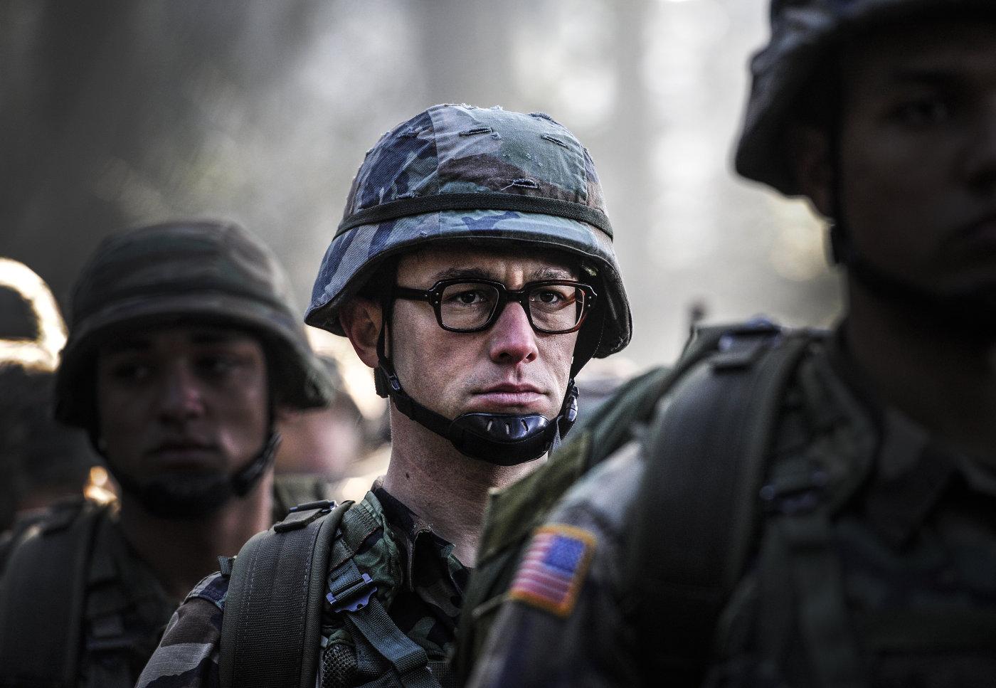 Сноуден порекомендовал заклеить камеру накомпьютере воизбежание слежки