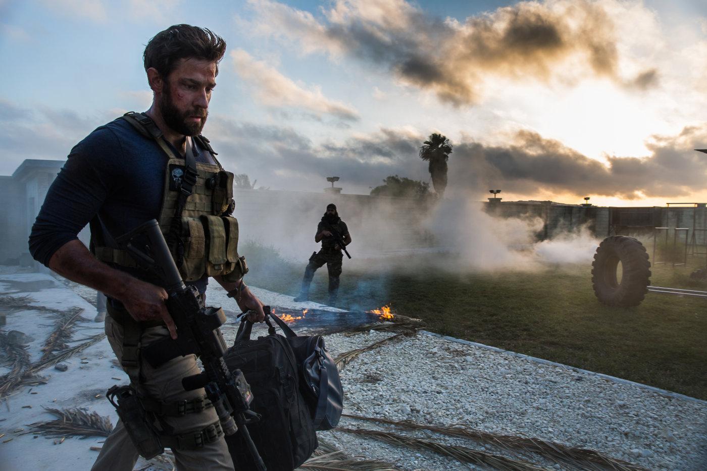 """Кадр из фильма """"13 часов: Тайные солдаты Бенгази"""""""