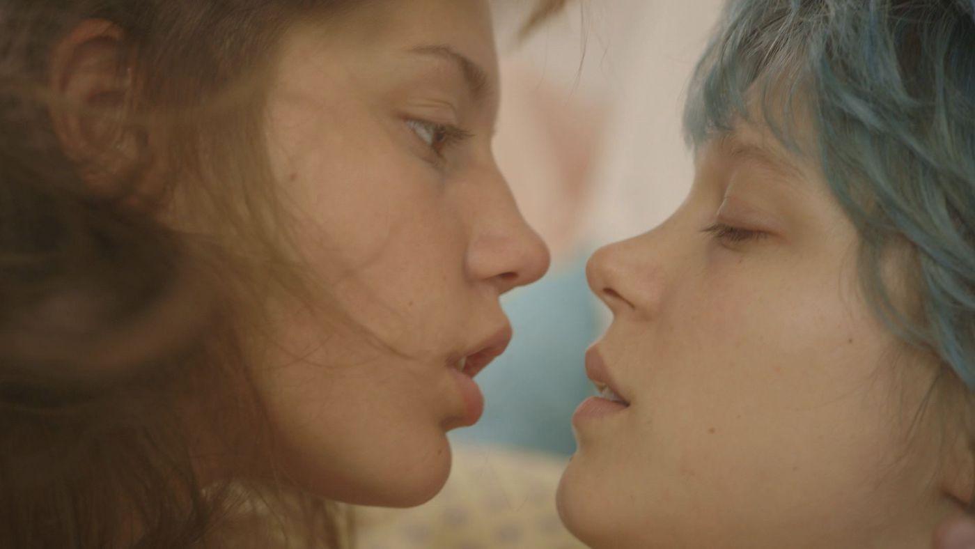 кинофильмы про лезбийскую любовь апреле мае начинается