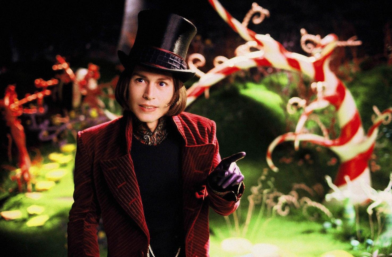 Джонни Депп в роли Вилли Вонки на кадре из фильма  «Чарли и Шоколадная фабрика»