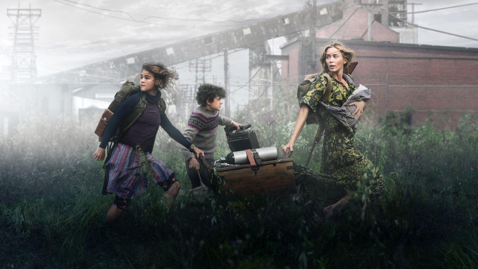 Эмили Блант в роли Эвелин на кадре из фильма «Тихое место 2»
