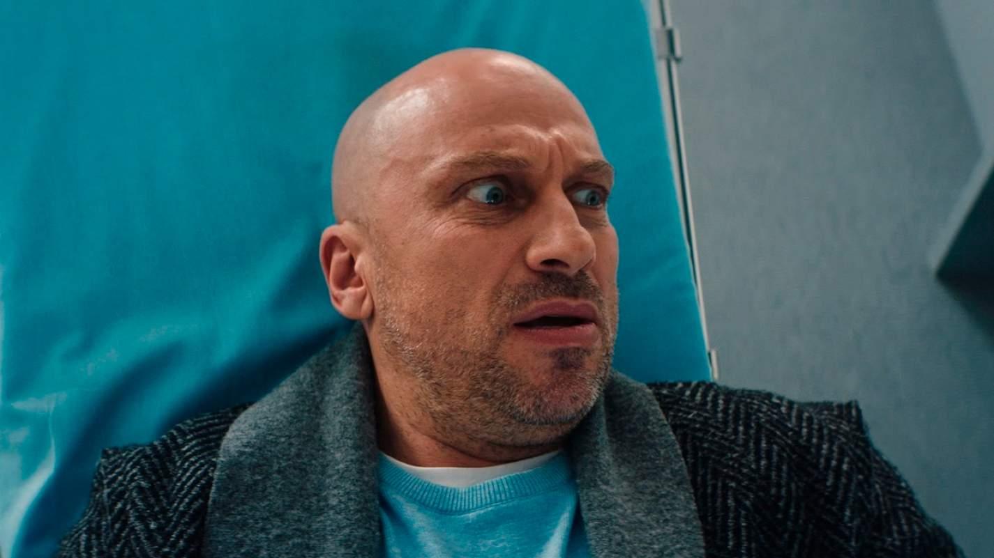 Дмитрий Нагиев в роли Андрея на кадре из сериала «В активном поиске»