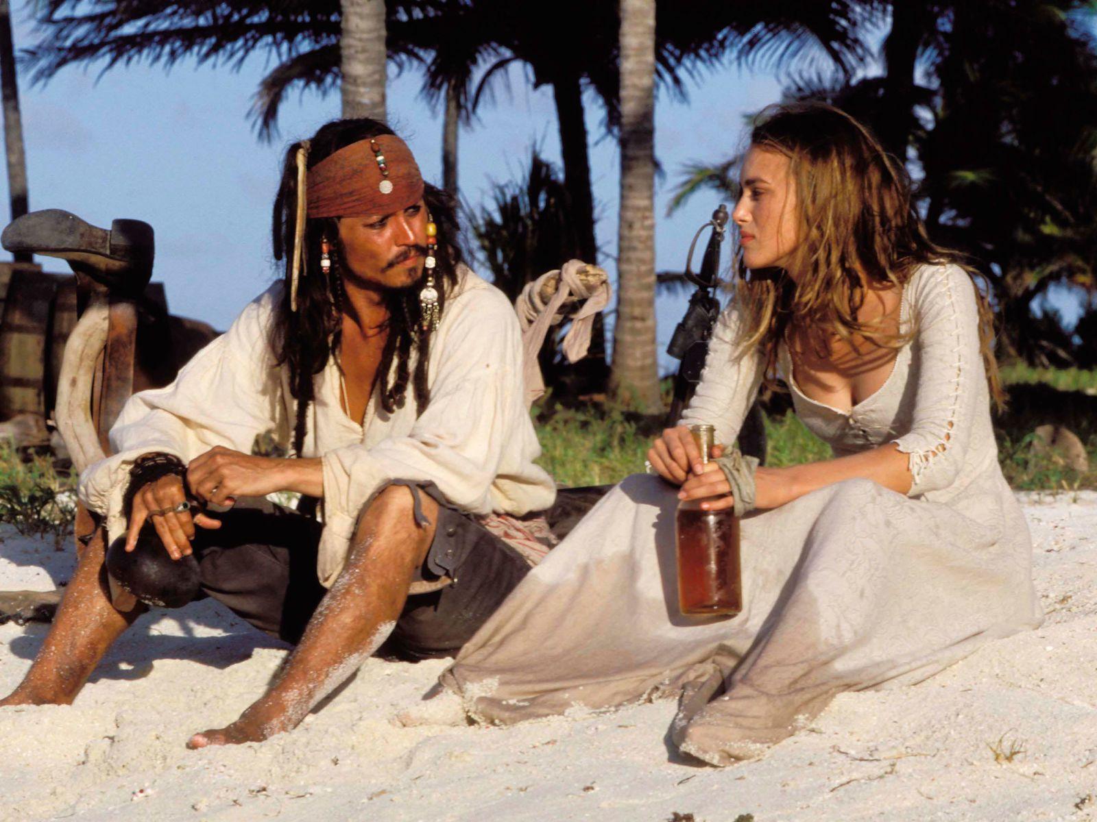Джонни Депп в роли капитана Джека Воробья на кадре из фильма «Пираты Карибского моря: Проклятие Чёрной жемчужины»