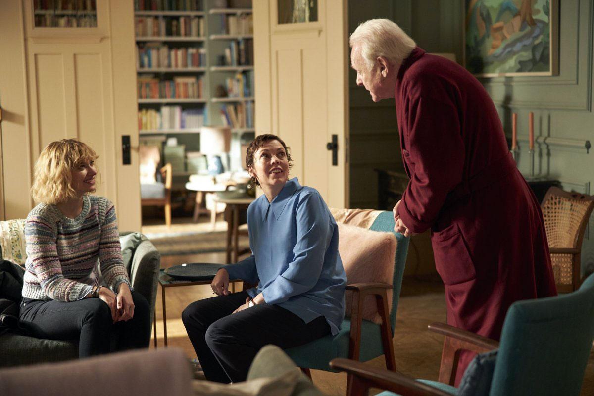 Энтони Хопкинс в роли Энтони на кадре из фильма «Отец»
