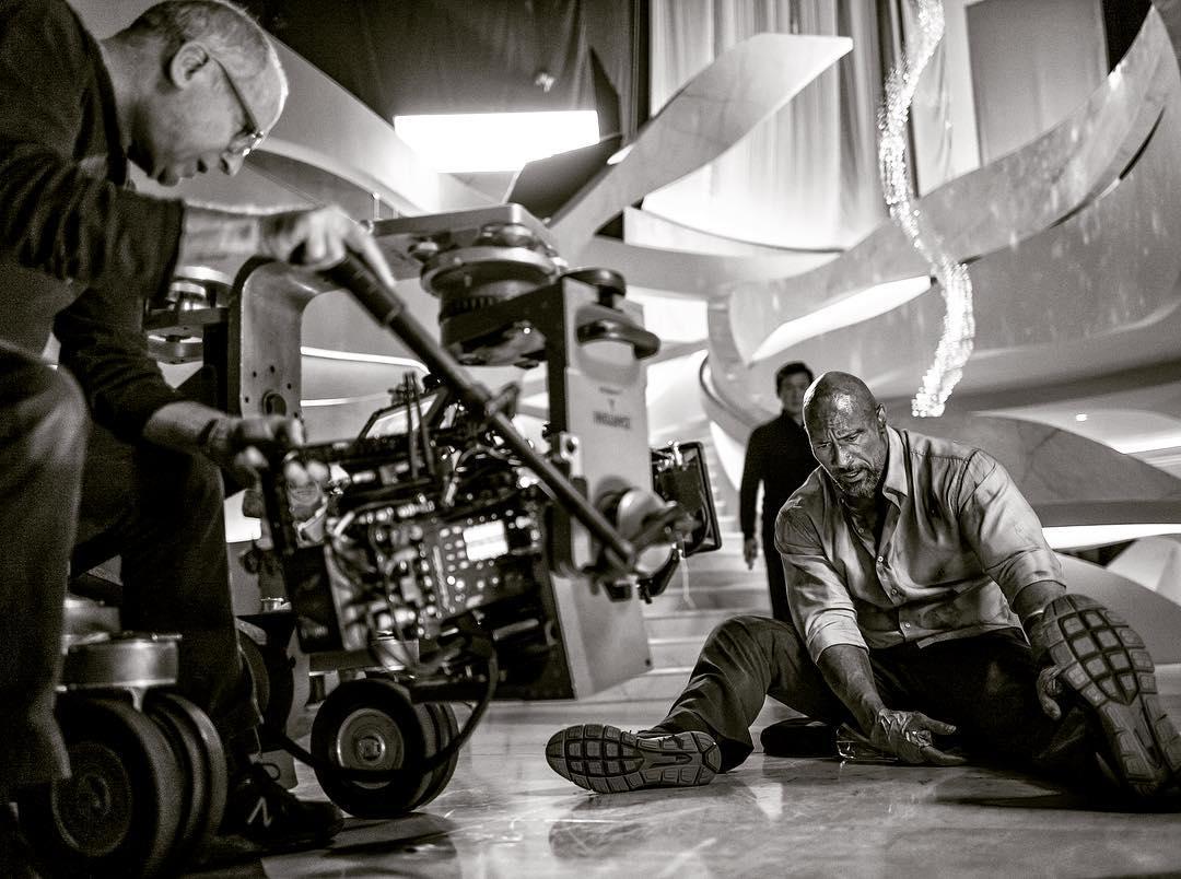 Новый кадр фильма «Небоскреб»