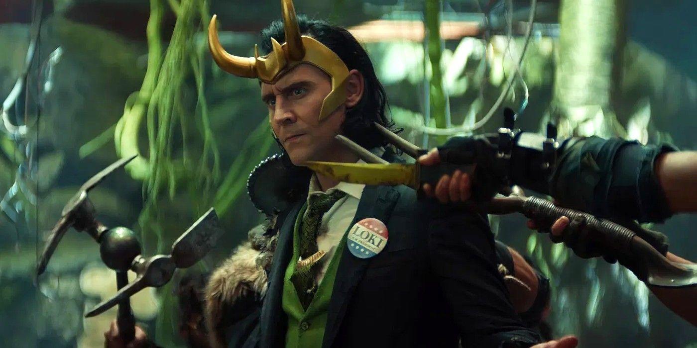 Том Хиддлстон в роли Локи на кадре из сериала «Локи»