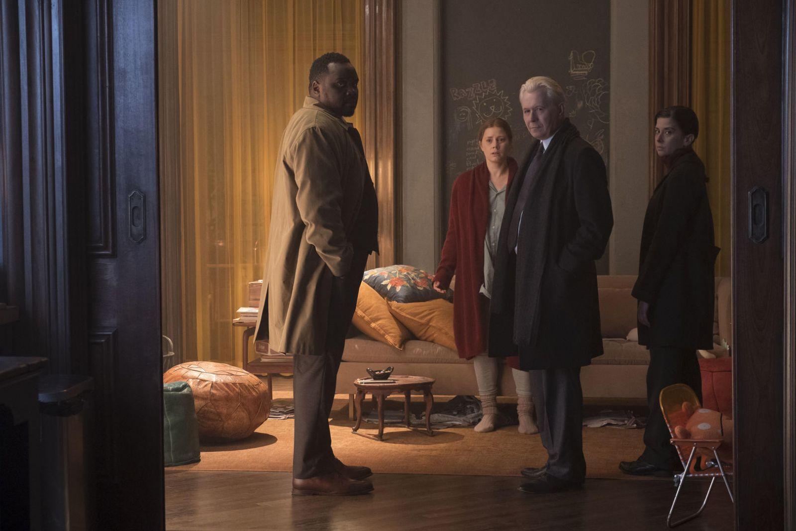 Гэри Олдман в роли Алистера Рассела на кадре из фильма «Женщина в окне»