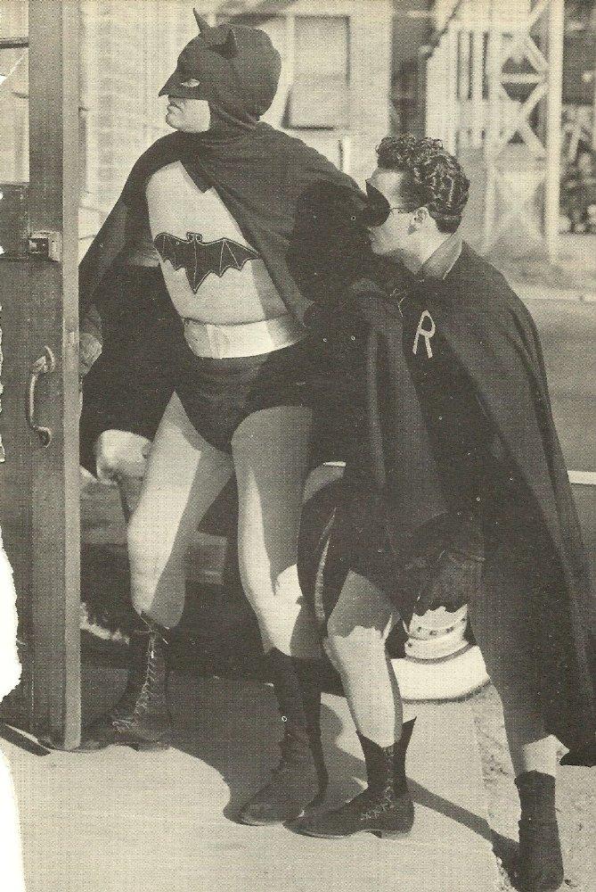 "Кадр из сериала ""Бэтмен и Робин"""