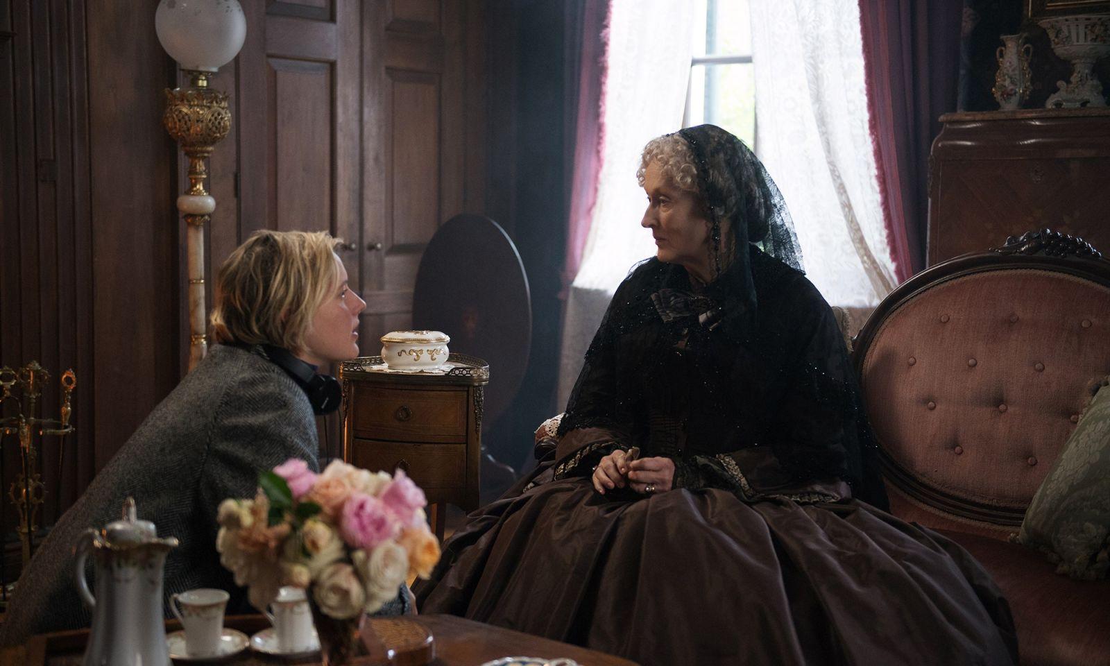 Мерил Стрип и Грета Гервиг на съемках фильма «Маленькие женщины»