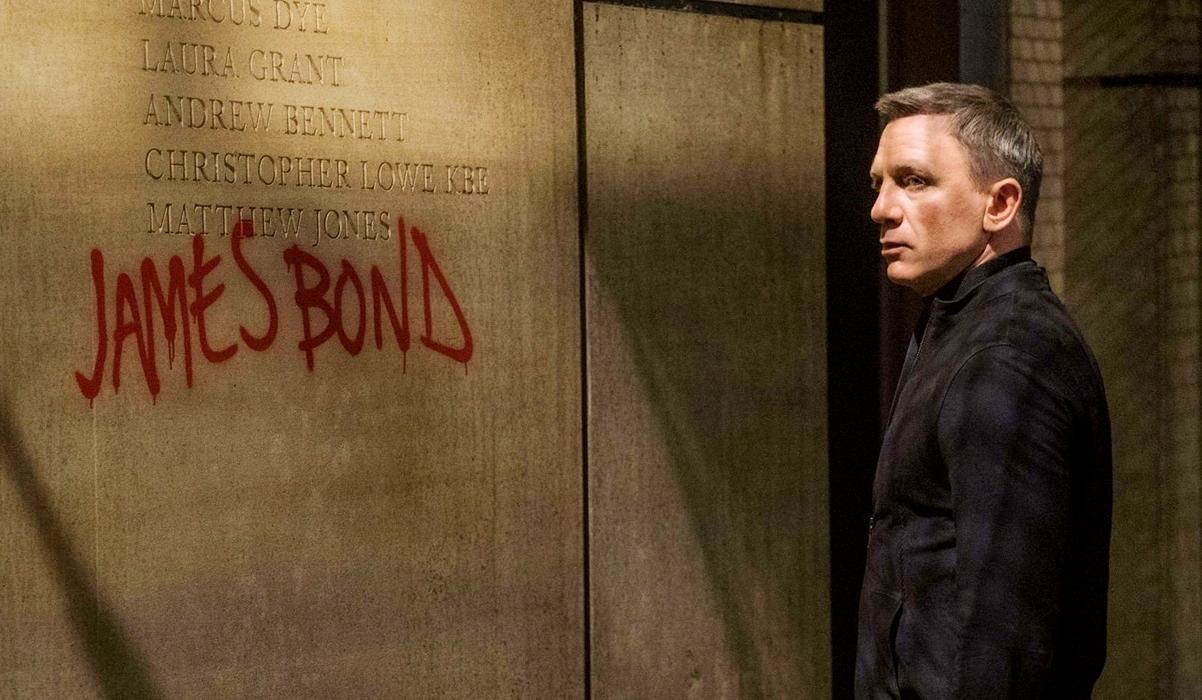 https://www.film.ru/sites/default/files/images/Daniel-Craig-as-James-Bond-in-Spectre.jpg