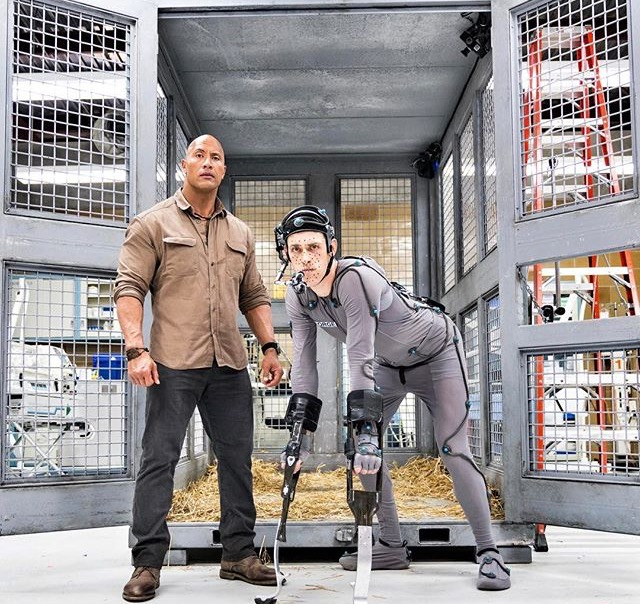 "Дуэйнн Джонсон и Джейсон Лайлс на съемочной площадке фильма ""Рэмпейдж"""