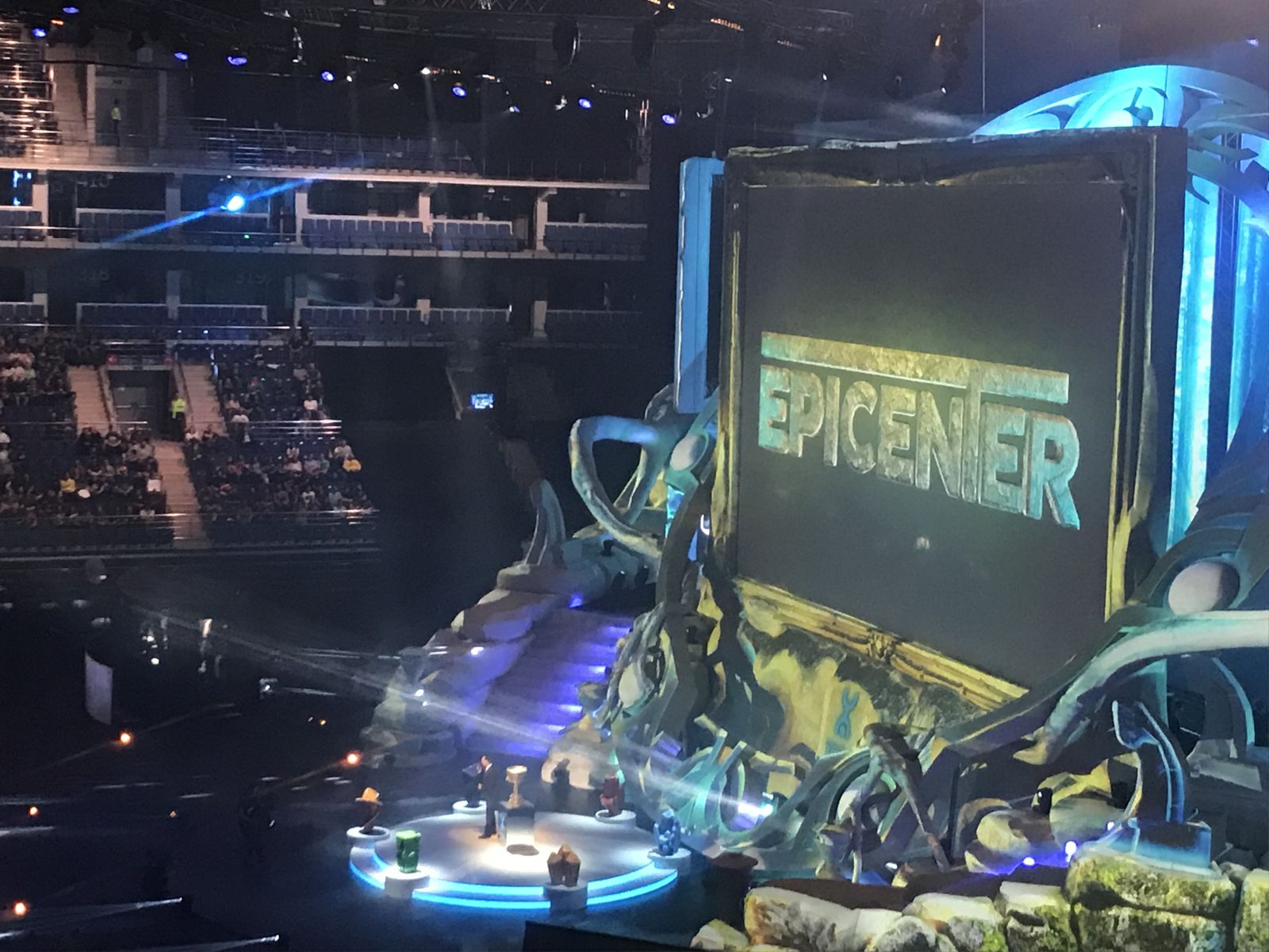 Pei-off stage of the tournament EPICENTER XL in the discipline of Dota 2
