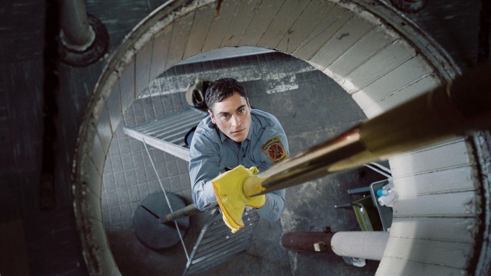 Кадр из фильма «Команда 49: Огненная лестница»