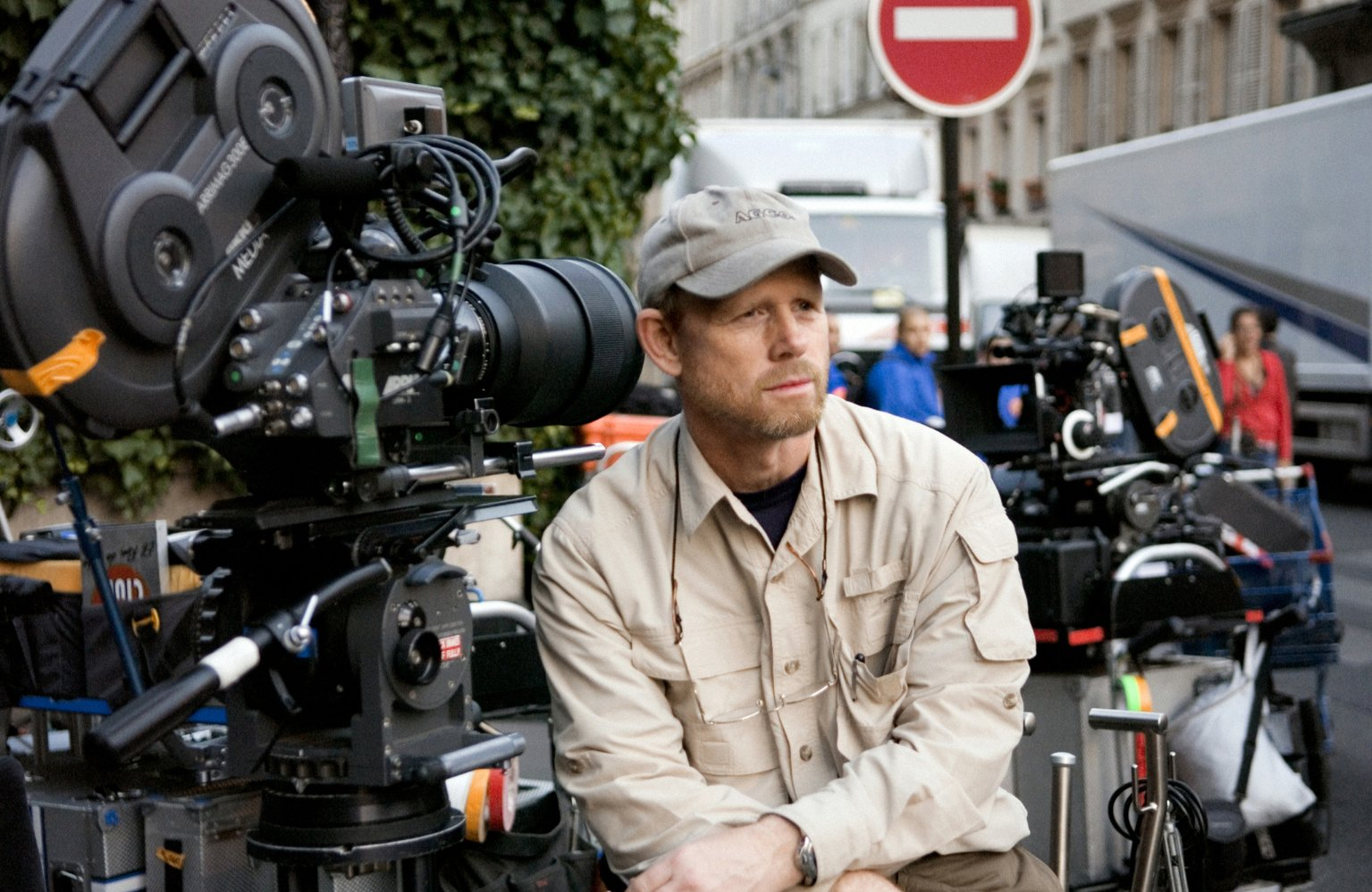 """Ron Howard on the set of the film """"The Da Vinci Code"""""""