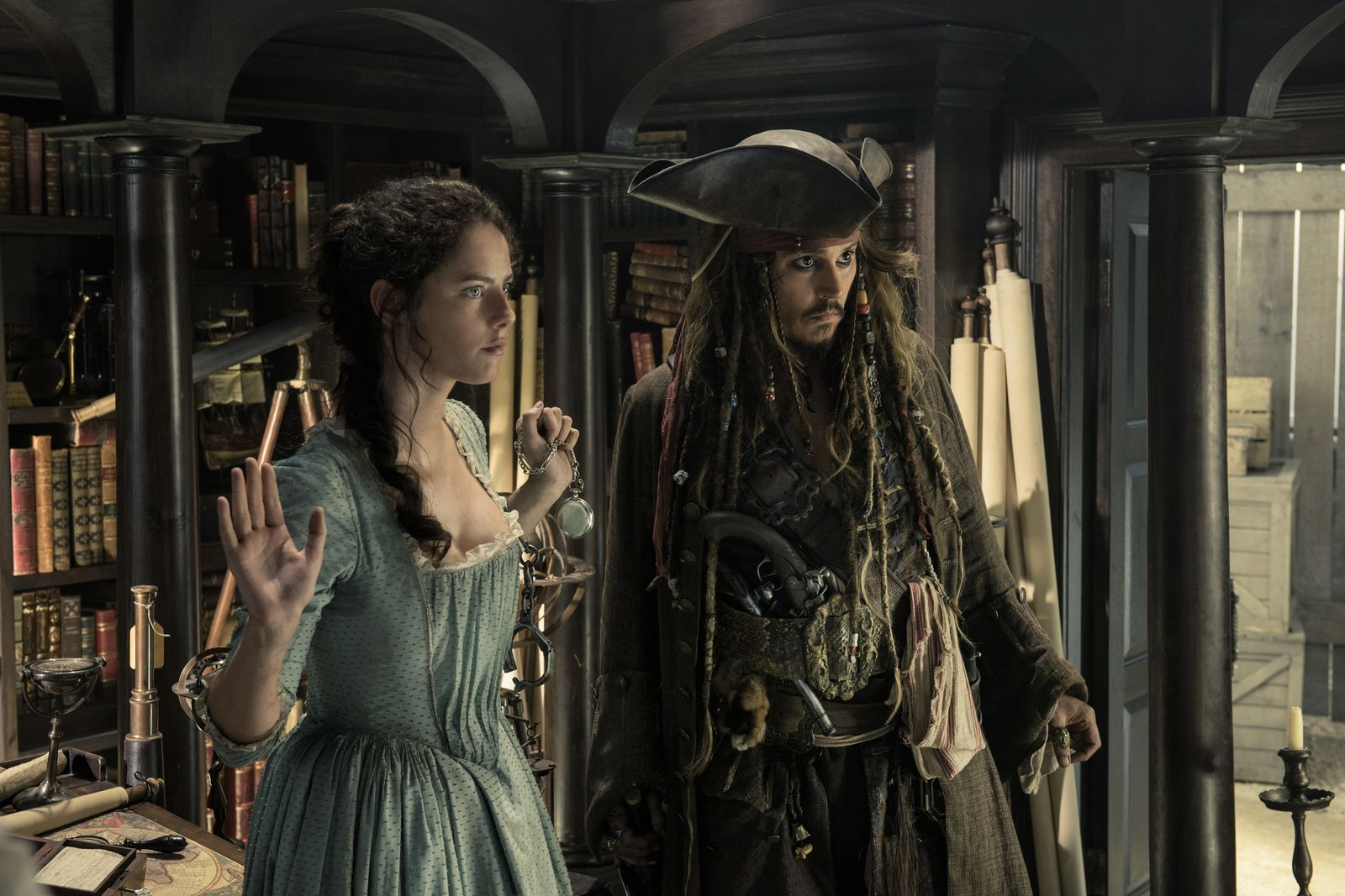 Free scenes from pirates xxx photo