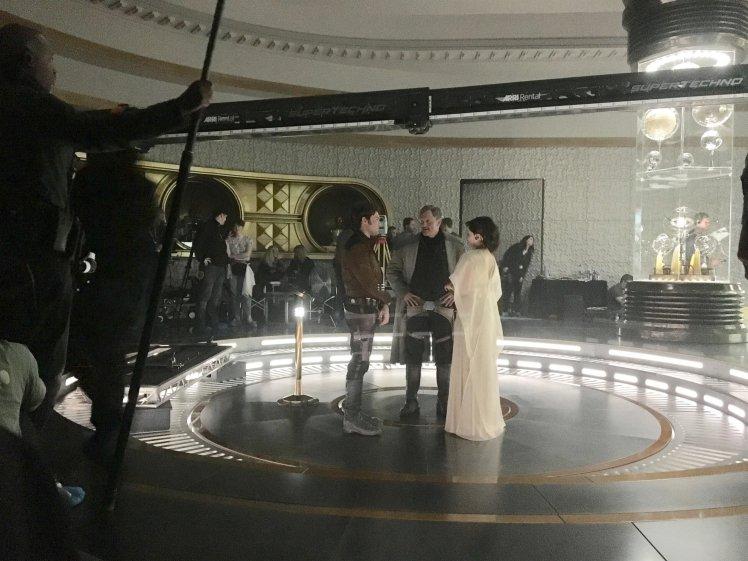 """Олден Эренрайк, Харрельсон и Эмилия Кларк на съемках фильма """"Хан Соло: Звёздные Войны. Истории"""""""