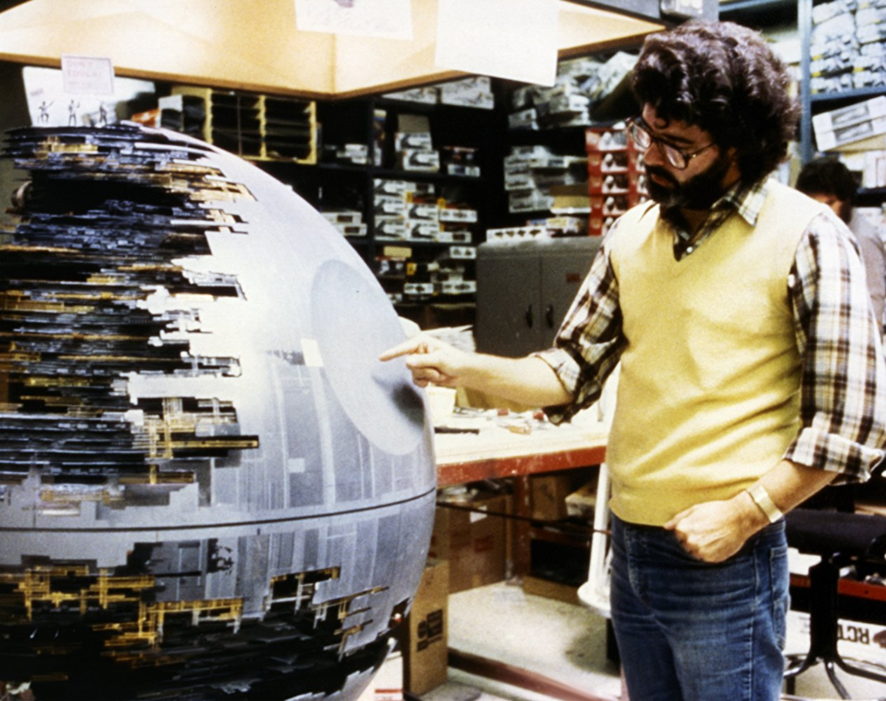 "Джордж Лукас на съемках фильма ""Звездные войны: Новая надежда"""