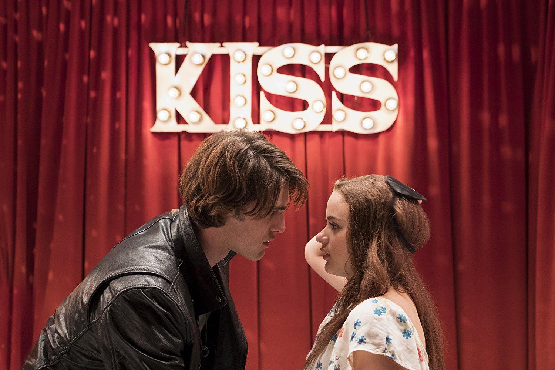 Кадр из фильма «Будка поцелуев»