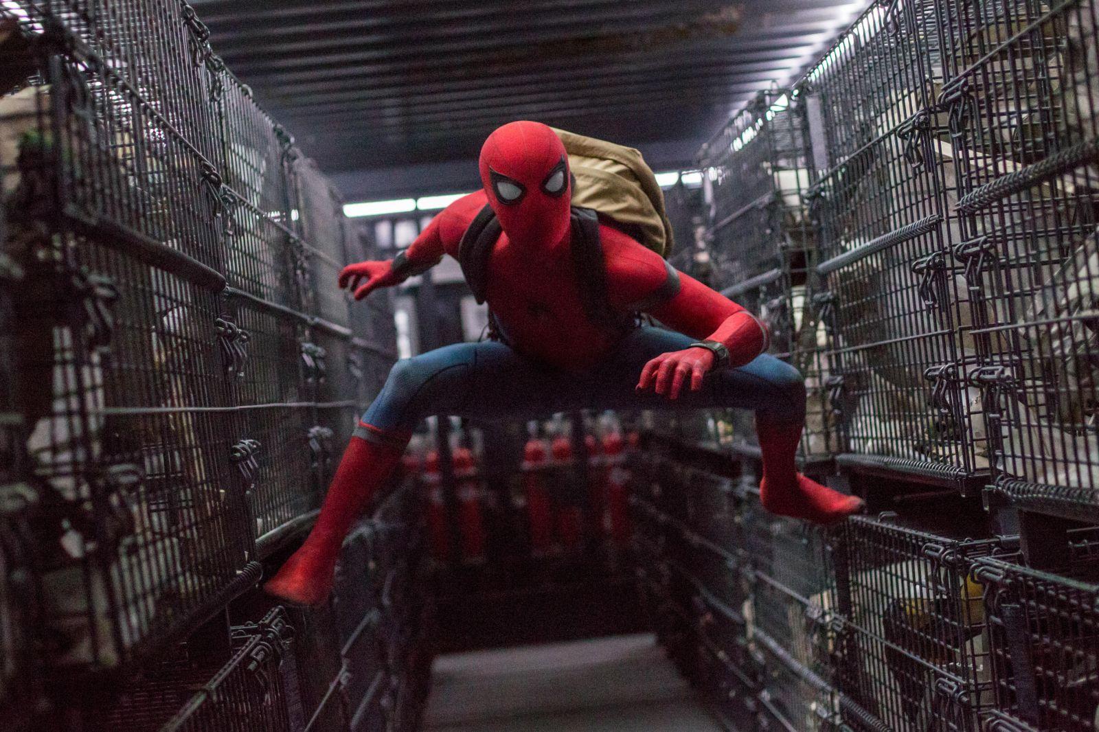 """Кадр из фильма """"Человек-паук: Возвращение домой"""""""