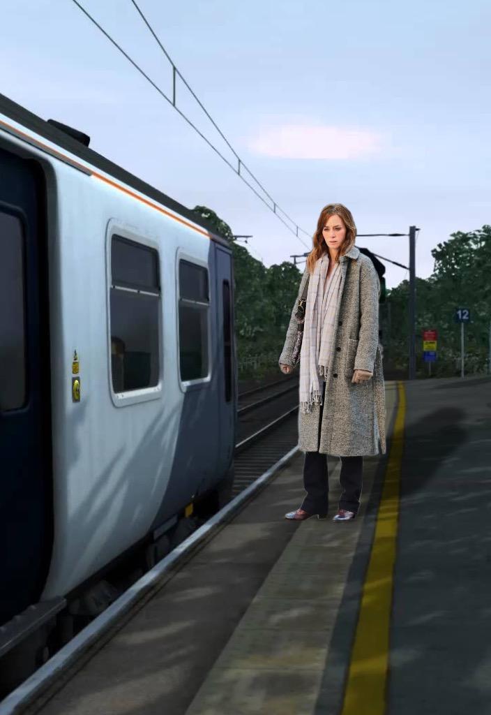 Смотреть фото девушка в поезде фото 262-131