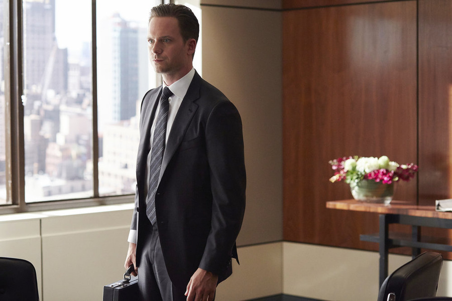 Suits - Season 5 Episode 7: Hitting Home online for