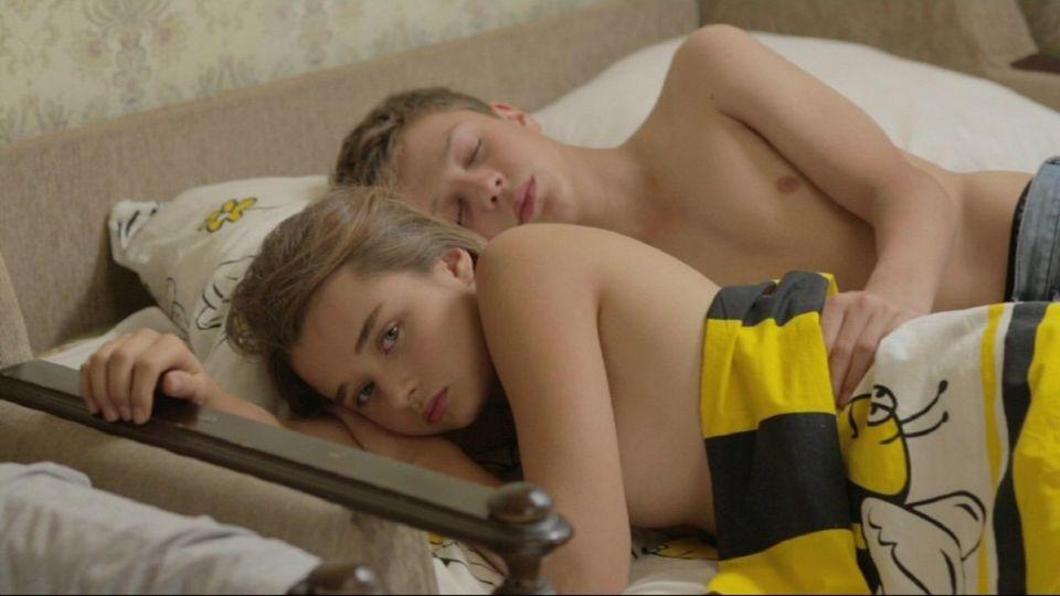 секс русская девочка учится сексу видио