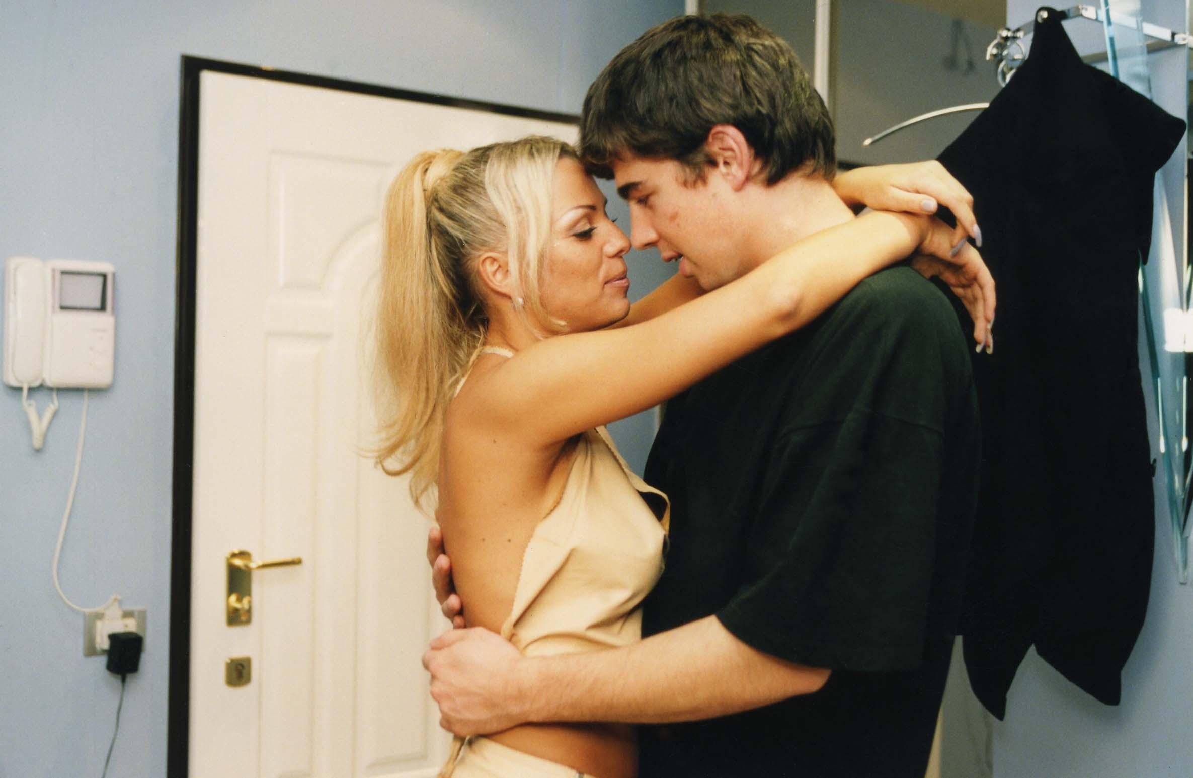 Смотреть бесплатно онлайн сестра развела младшего брата