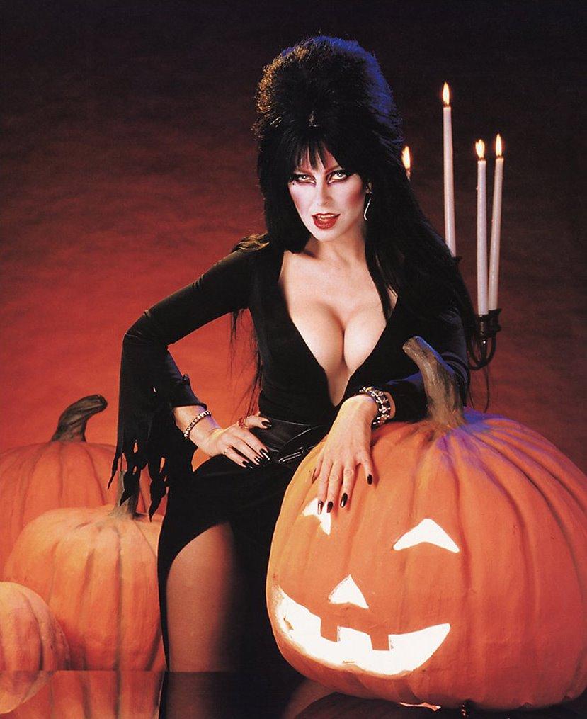 Эльвира актриса из фильма эльвира повелительница тьмы 1988 одевалка аниме наруто создай своего персонажа