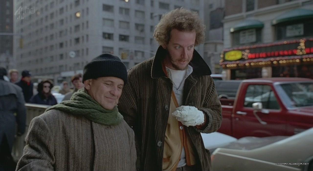 https://www.film.ru/sites/default/files/movies/frames/Home-Alone-2-Lost-in-New-York-09.jpg