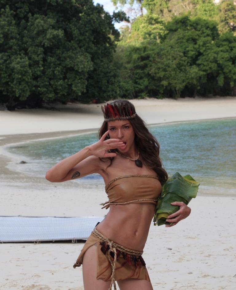 Порно из острова везения