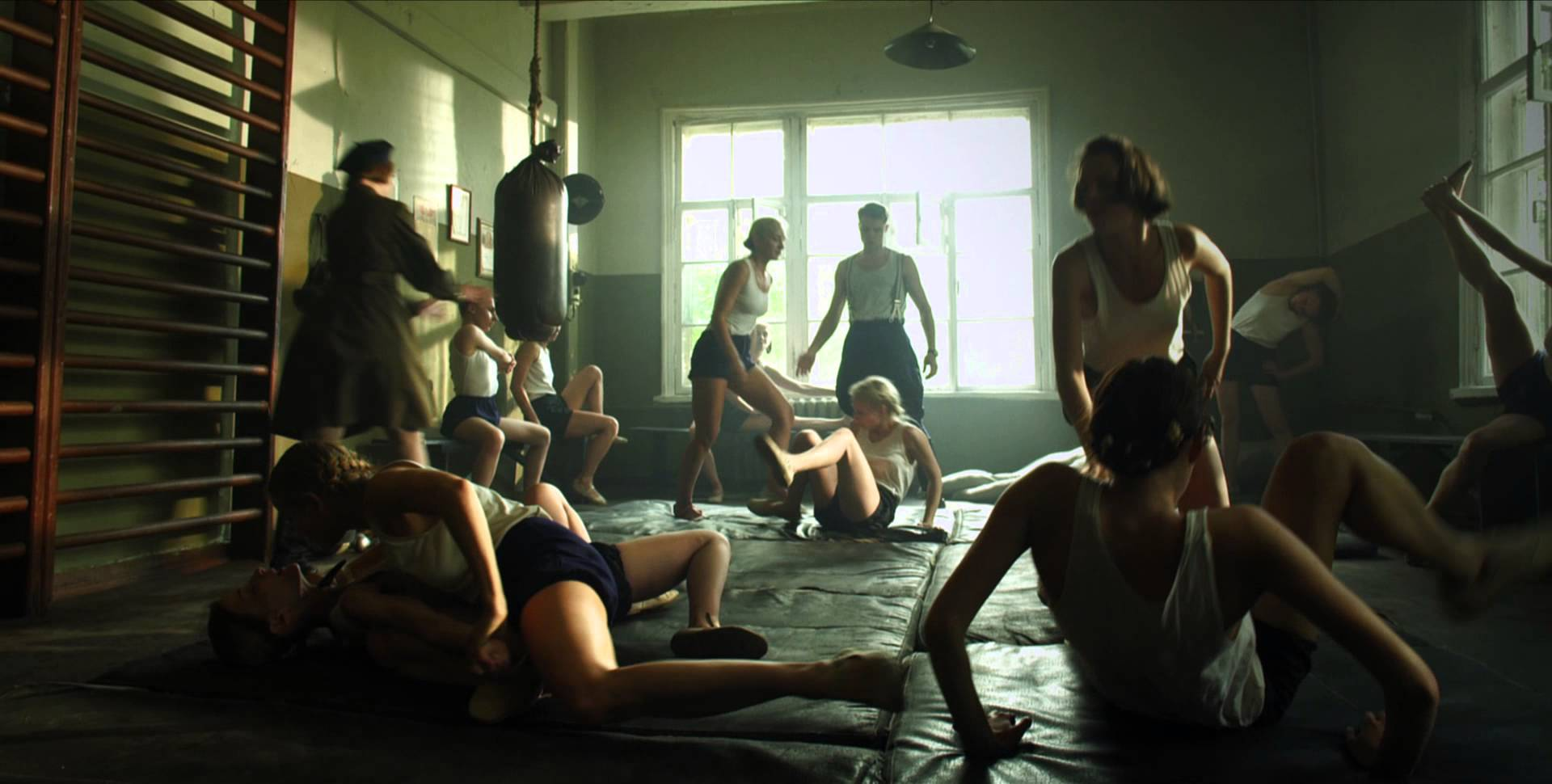 porno-razvedchitsi-video