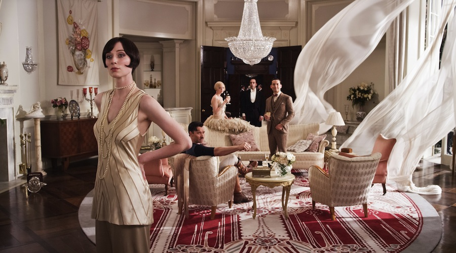 a description of how the movie the great gatsby closely represent the views of modern society
