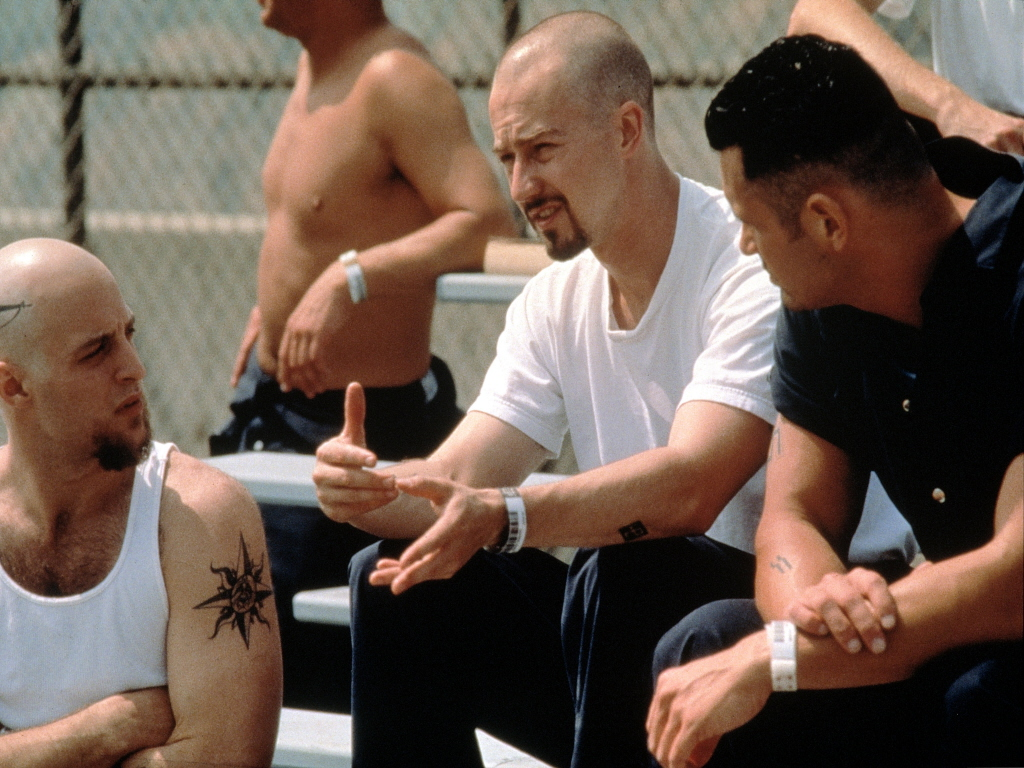 american history x movie Synopsis: derek vineyard is paroled after serving 3 years in prison for brutally killing two black men who tried to break into/steal his truck.